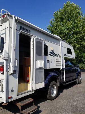 2004 Lance 1161 Truck Camper for Sale in East Windsor, NJ