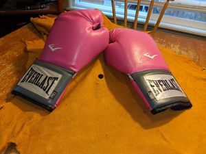 Boxing gloves for Sale in Puyallup, WA