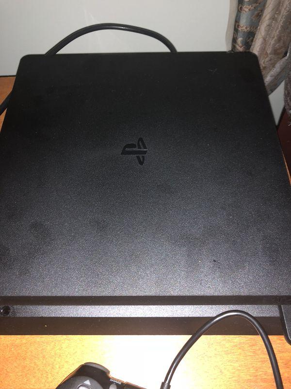 PS4 1TB Slim