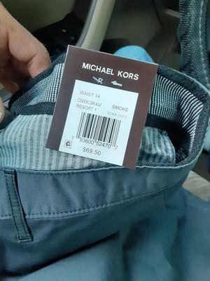 Estoy vendiendo un short talla 34 es MICHAEL KORS esta nuevo for Sale in Dallas, TX
