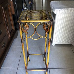 Metal Plant Stand for Sale in Fort Lauderdale, FL