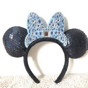 DISNEY MINNIE MOUSE NAVY BLUE SEQUIN EARS WITH BABY BLUE BOW/RHINESTONES for Sale in Newport Beach, CA