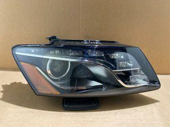 2009 2010 2011 2012 AUDI Q5 HEADLIGHT RIGHT PASSENGER LED XENON OEM 8R0941004AH for Sale in Bellflower,  CA