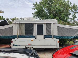 2000 Coleman Santa Fe pop up for Sale in Miami, FL