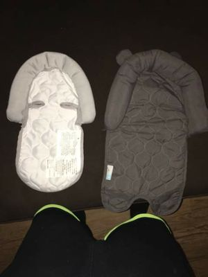 Head supporters for baby in carseat for Sale in Grand Rapids, MI