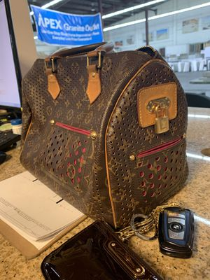 Louis Vuitton Speedy 30 Perforated Fuchsia Bag for Sale in Downey, CA