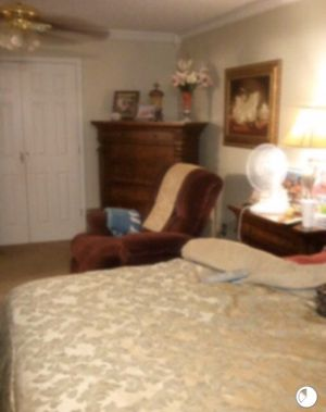 5-piece King Size Bedroom Set (Solid Cherry Wood) for Sale in Mound Bayou, MS