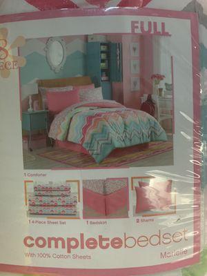 Full size bedroom 8 pc bedding set for Sale in Chandler, AZ