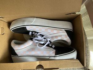 VANS low top sneakers! Size M-8.5, W-10 for Sale in Burtonsville, MD