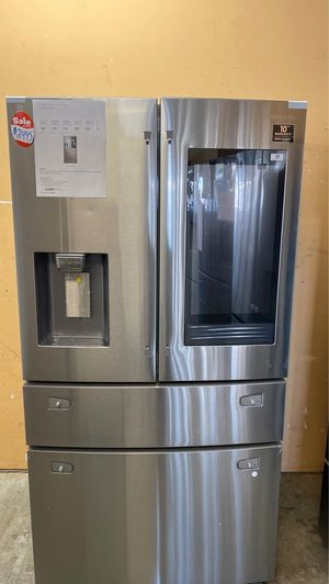 BRAND NEW SAMSUNG FAMILY HUB 4 FRENCH DOOR REFRIGERATOR for Sale in Alexandria, VA
