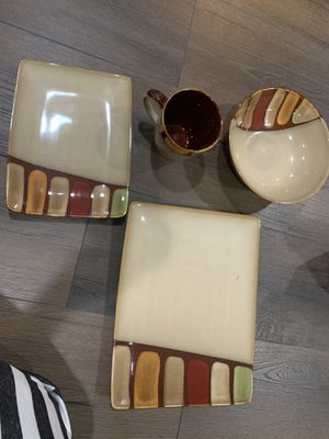 Beautiful brown dinner ware set for Sale in Dearborn Heights, MI