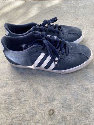 Adidas Sneakers vintage almost new barely worn for Sale in Los Angeles, CA