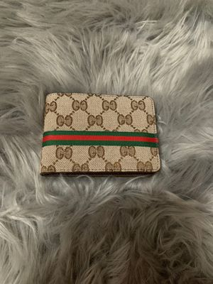 Leather Gucci wallet for Sale in University Place, WA