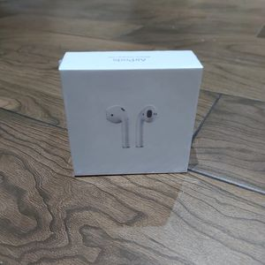 New Airpods 2nd Generation for Sale in Fresno, CA
