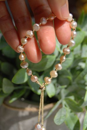 Natural freshwater pearl bracelet for Sale in Hayward, CA