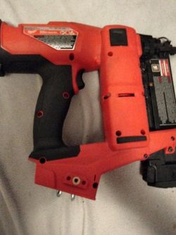 Milwaukee Fuel 18 Gauge Brad Nailer for Sale in Gresham,  OR