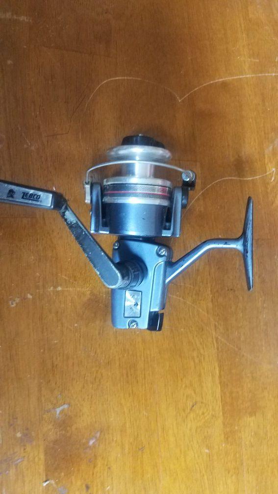 Vintage Zebco Sterling 7020 Spinning Reel