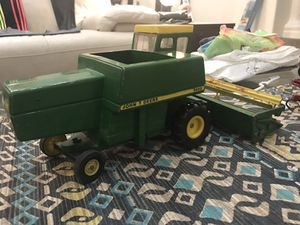 John Deer Metal Tractor and accessory. for Sale in Glendale, AZ