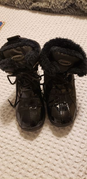 Kids Khombu boots size 4 for Sale in Beaverton, OR