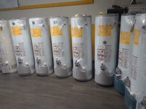Especial today water heater for 150 for Sale in Fontana, CA