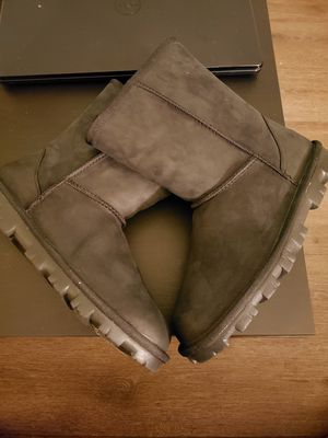 Ugg Boots Size 8 for Sale in El Cajon, CA