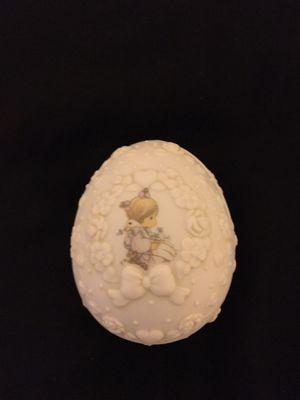 "1996 Precious Moments ""God is Love"" egg shaped trinket box for Sale in Miramar, FL"