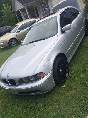 Bmw 528i 02 clean inside and out for Sale in Rock Hill, SC