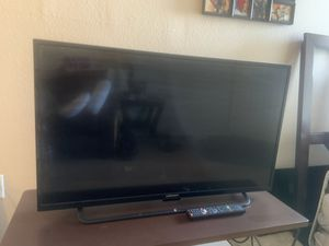 40 inch element flat screen tv for Sale in Phoenix, AZ