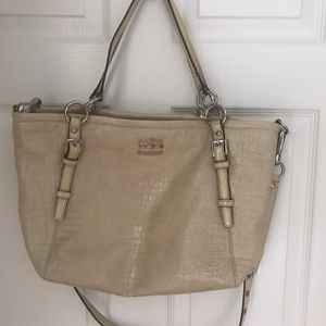 Coach Leather Embossed Hobo Bag for Sale in Delray Beach, FL
