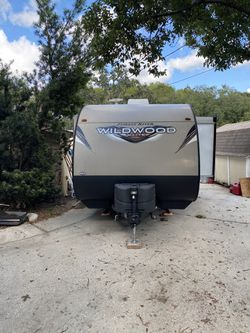 2018 Forest River Wildwood X-Lite 230BHXL for Sale in Seffner,  FL