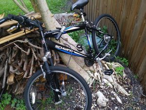 Schwinn mountain bike for Sale in Palmetto, FL