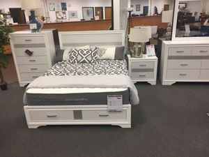 5 PC Queen Bedroom Set, White for Sale in Norwalk, CA