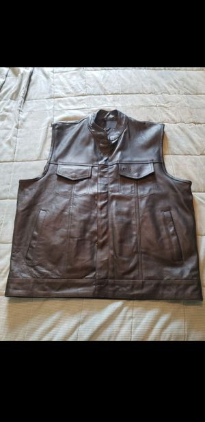 Men's Motorcycle Club Leather Vest Concealed Carry Arms Solid Back Made In USA for Sale in Lawndale, CA