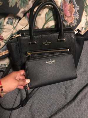 Kate Spade handbag and its wallet for Sale in Bell Gardens, CA