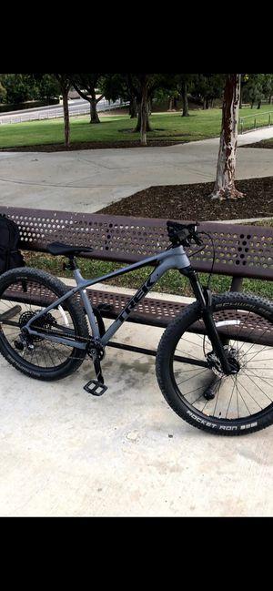 2019 trek Roscoe 8 mountain bike for Sale in Los Angeles, CA