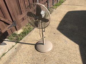 Oscillating house Fan for Sale in Dallas, TX