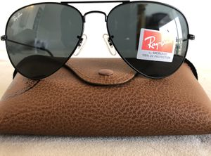 Brand New Authentic RayBan Aviator Sunglasses for Sale in Houston, TX