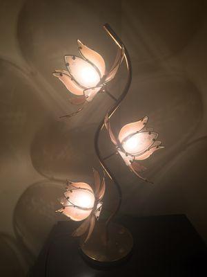 FLORAL LAMP for Sale in Alexandria, VA