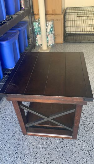 End table for Sale in Gilbert, AZ