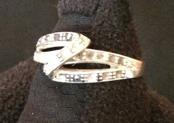 Silver colored Diamond Ring