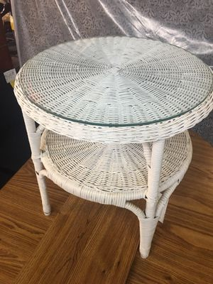 ROUND WICKER TABLE for Sale in York, PA