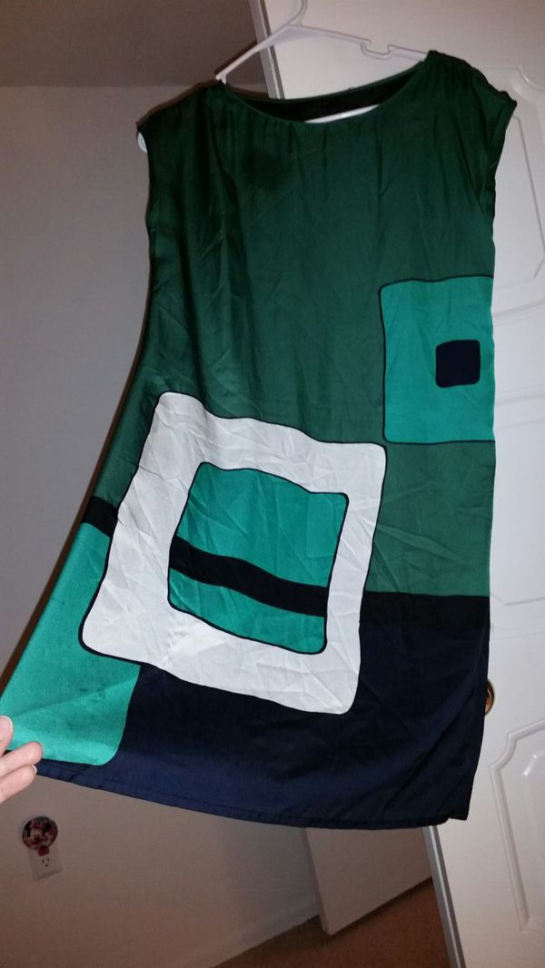 women's green, white and bleu sleeveless top