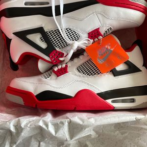 Air Jordan 4 Retro Fire Red 2020 Size 13 Brand New for Sale in Portland, OR