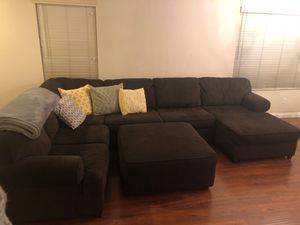 4 Piece Sectional couch w/chaise lounge & ottoman for Sale in Brea, CA
