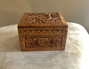 Beautiful vintage wood carved box with lining in great shape! for Sale in Dutton, MI