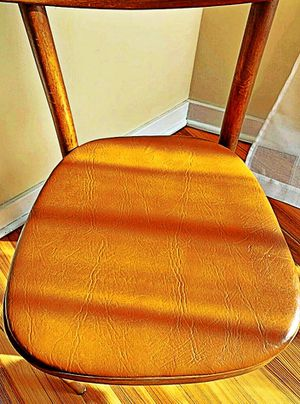 Wooden Shelby Williams Industries MCM chairs (4) with leather seat cushion. for Sale in Woonsocket, RI