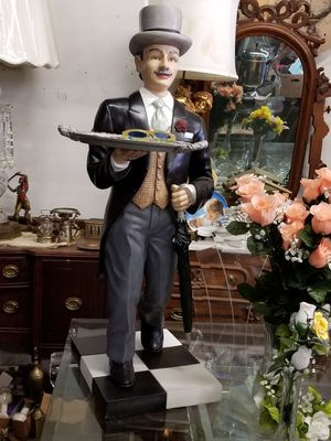 Butler Statue (38 inch height) $125.00 for Sale in Detroit, MI