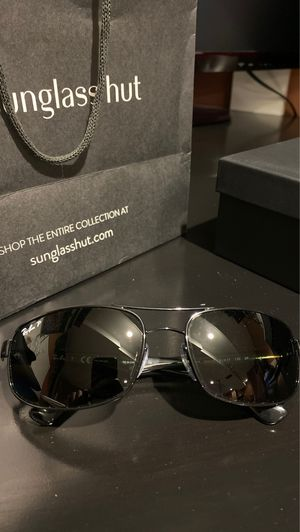 NEW Ray-Ban Men's Sunglasses for Sale in Des Plaines, IL