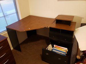 Corner desk for Sale in Glendale, AZ
