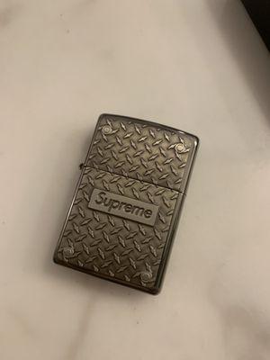 Supreme zippo diamond plate - Brand new for Sale in New York, NY